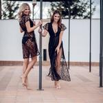 Model Jess | krátké černé krajkované letní plážové šaty | Beach Swan