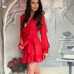 Model Linda | krátký červený plážový přehoz přes plavky nebo plážové šaty | Beach Swan